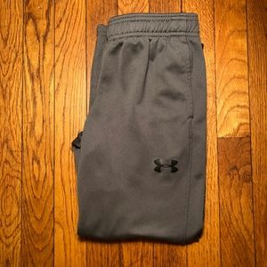 UnderArmour Boys' Pants size YSM